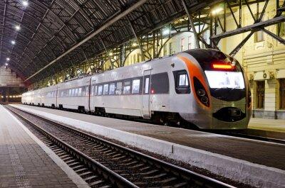 Fototapeta Vysokorychlostní vlak na nádraží