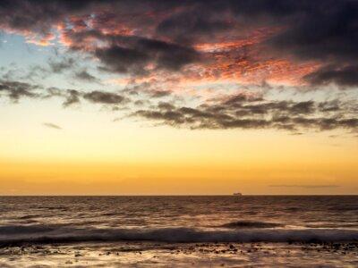 Fototapeta Západ slunce na lodi v Atlantském oceánu v Kapském Městě - 1
