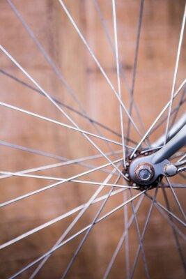 Fototapeta Zblízka pohled na paprsky kola kole