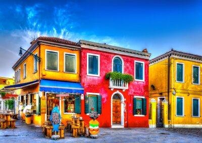 Nálepka barevné domy v syrové na Burano ostrově nedaleko italských Benátkách. HDR
