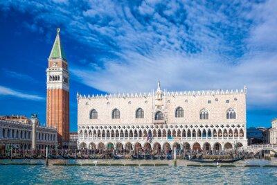 Nálepka Benátky s náměstí svatého Marka v Itálii