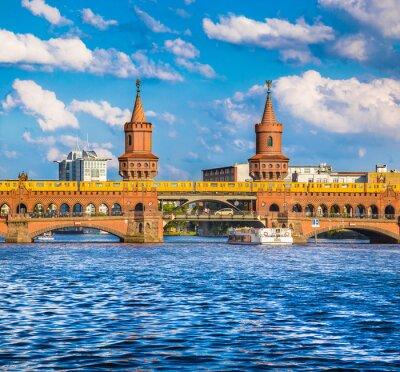 Nálepka Berlín Oberbaumbrücke, Friedrichshain-Kreuzberg, Německo
