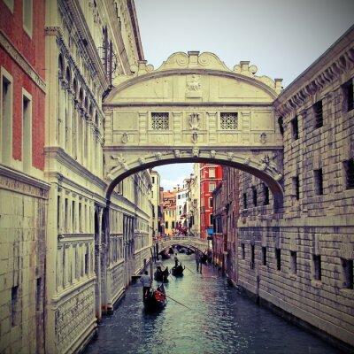 Nálepka Bridge of sighs in Venice with gondolas