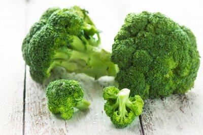 Nálepka Brokolice na bílém dřevěném pozadí