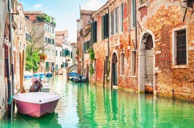 Nálepka Canal v Benátkách, Itálie.