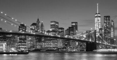Nálepka Černá a bílá Manhattan nábřeží v noci, NYC.