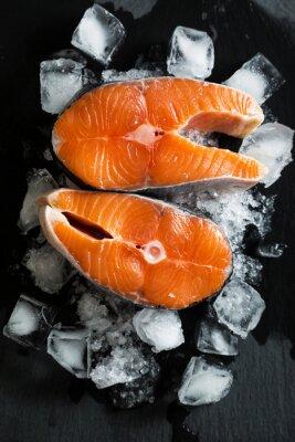 Nálepka Čerstvé kousky lososa na ledě