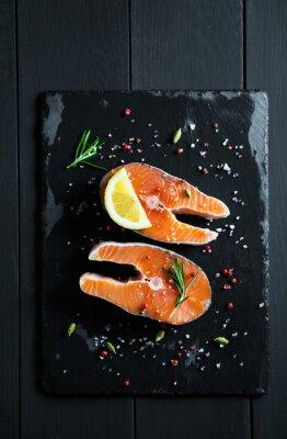 Nálepka Čerstvé plátky lososa s citrónem a kořením