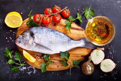 Nálepka čerstvé ryby dorado se zeleninou