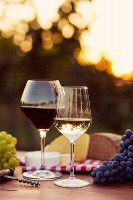 Nálepka Dvě sklenice bílého a červeného vína