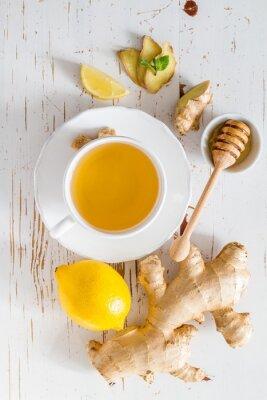 Nálepka Ginger čaj a složky na bílém pozadí dřevo