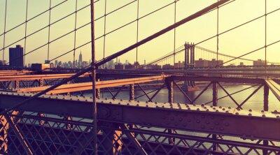 Nálepka Hazy City Skyline od Brooklyn Bridge při západu slunce