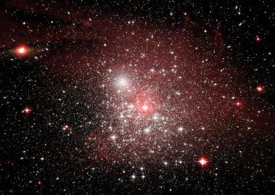 Nálepka Hvězdy, prach a plynová mlhovina v daleké galaxii