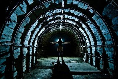 Nálepka Interiér tunelu v opuštěném uhelném dole