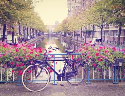 Nálepka kolo na mostě