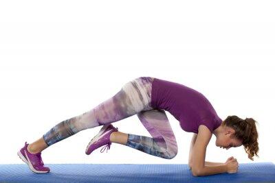 Nálepka Krásná dívka dělá fitness cvičení na bílém pozadí