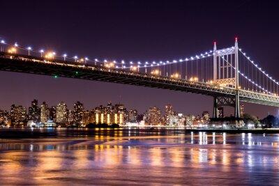 Nálepka Krásná noční pohled z New Yorku a 59. Street Ed Koch mostu při pohledu napříč Manhattan.