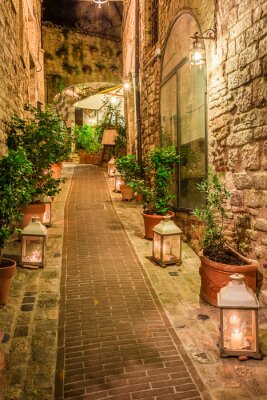 Nálepka Krásné zdobené ulici v malém městečku v Itálii, Umbrie