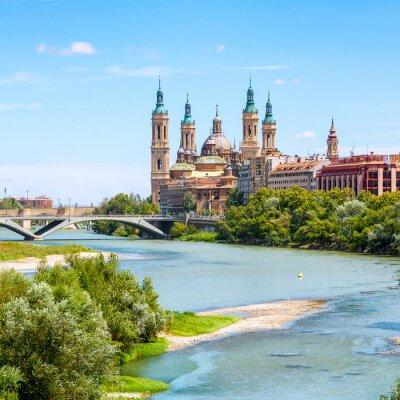 Nálepka Letecký pohled na Zaragoza, Španělsko s bazilikou