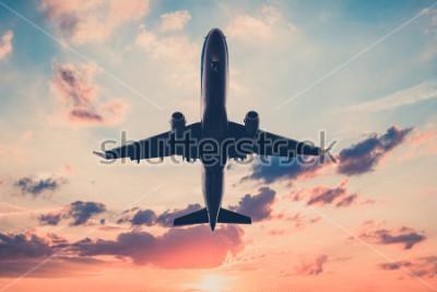 Nálepka letoun na západ slunce nebe - letadla, tryskem na scénické pozadí oblohy