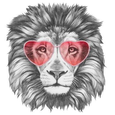 Nálepka Lev v lásce! Portrét lva s tvaru srdce sluneční brýle. Ručně tažené ilustrace.