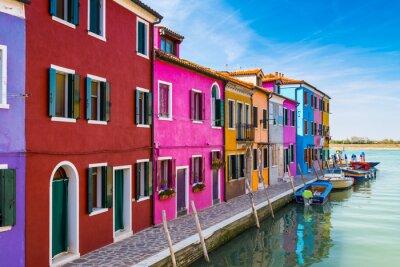 Nálepka Malované domy Burano v benátské laguně, Itálie.