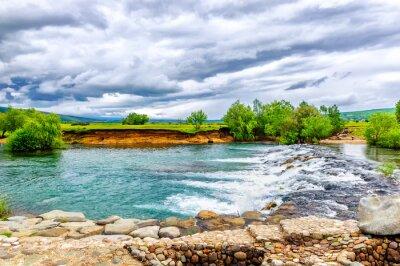 Nálepka Malý potok a vodopád v zachovalé přírodě