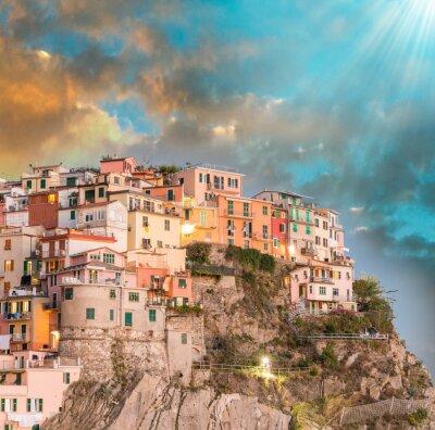 Nálepka Manarola, Cinque Terre. Západ slunce nad pět Pozemky, Itálie