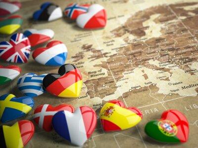 Nálepka Mapa Evropy a srdce s vlajkami evropských zemí. trave