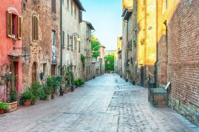 Nálepka Medieval street view v Certaldo, Itálie.