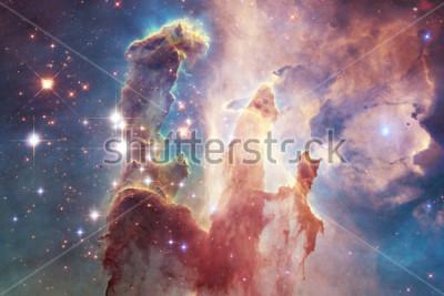 Nálepka Miliardy galaxií ve vesmíru. Abstraktní prostor na pozadí. První obrázek tohoto NASA