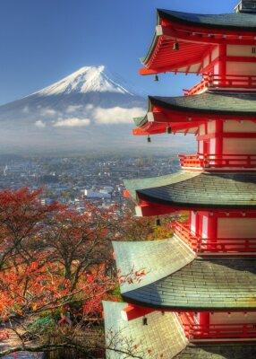 Nálepka Mt. Fuji a Autumn Leaves u svatyně Arakura Sengen v Japonsku
