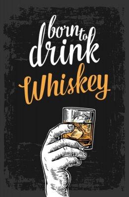 Nálepka Muž držel sklenici s whisky a kostkami ledu. Vintage vektorové ilustrace pro rytí štítek, plakát, pozvání na večírek