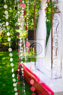 Nadherna Vyzdoba Na Svatebni Oblouk V Letni Zahradce Nalepky Na