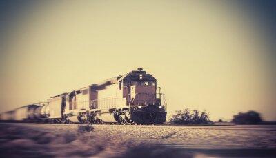 Nálepka Nákladní vlak cestování přes poušť v Arizoně
