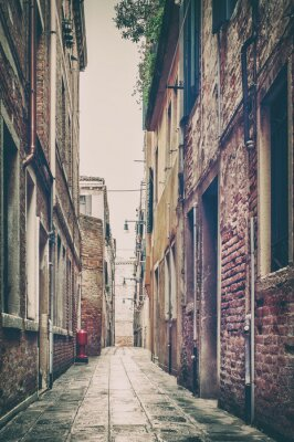 Nálepka Old street view v Benátkách, Itálie.