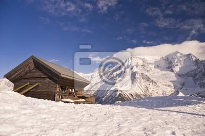 Osamělý dům v horách