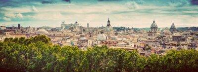 Nálepka Panorama starobylého města Říma, Itálie. Vinobraní