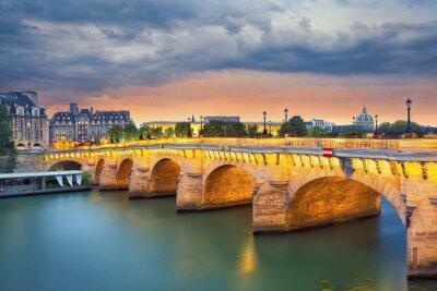 Nálepka Paříž.