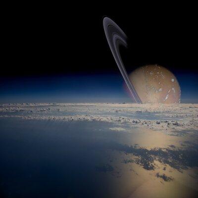 Nálepka Pohled z družice na oběžné dráze kolem planety s prstenci.