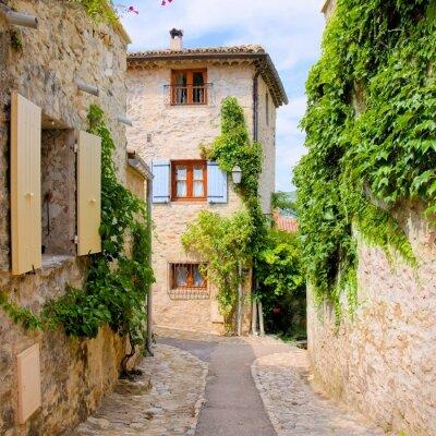 Nálepka Pretty kamenné domy v malebné vesnici v Provence, Francie