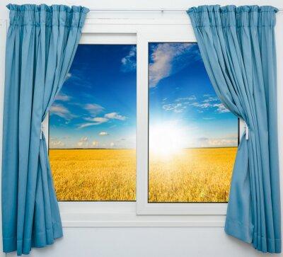 Nálepka přírody krajiny s výhledem přes okno s závěsy