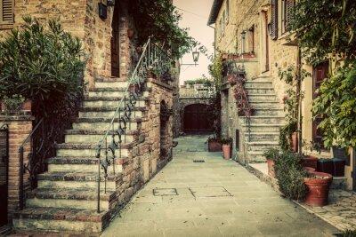Nálepka Půvabné staré středověké architektury ve městě, v Toskánsku, Itálie.