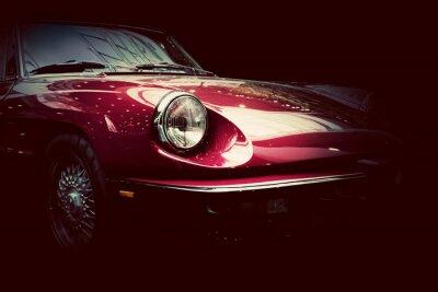 Nálepka Retro klasické auto na tmavém pozadí. Vintage, elegantní