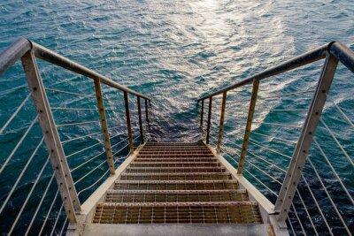 Nálepka Rusty schodiště do hlubokého moře
