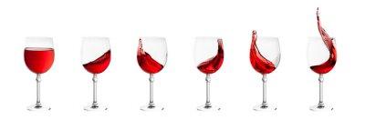 Nálepka Sada sklenic na víno s postříkání vína na bílém zpět