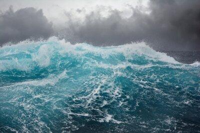 Nálepka Sea Wave v Atlantském oceánu během bouře