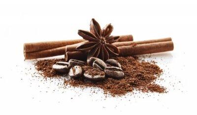 Nálepka Sebrané kávová zrna s kávou prášek na bílém