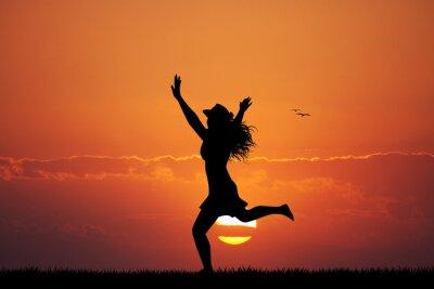 Nálepka šťastná dívka při západu slunce