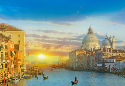 Nálepka Sunrise v Benátkách